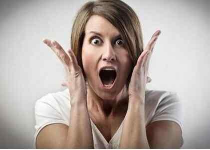 女人进入更年期失眠、焦虑、烦躁不安如何改善这种状况呢.jpg