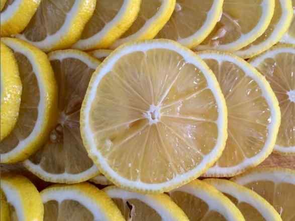 柠檬膏的功效和作用 柠檬切片