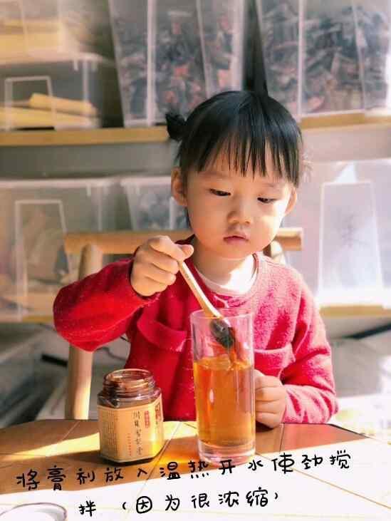 秋梨膏的功效与作用 雪梨膏的吃法3